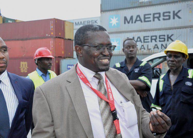 Mkurugenzi Mkuu wa Mamlaka ya Bandari ya Usimamizi wa Bandari Tanzania (TPA) Mhandisi Deusdedit Kakoko.
