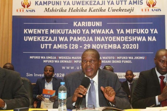 Mwenyekiti wa Bodi ya UTT AMIS, Casmir Kyuki akizungumza wakati wa Mkutano Mkuu wa Mwaka jijini Dar es Salaam.